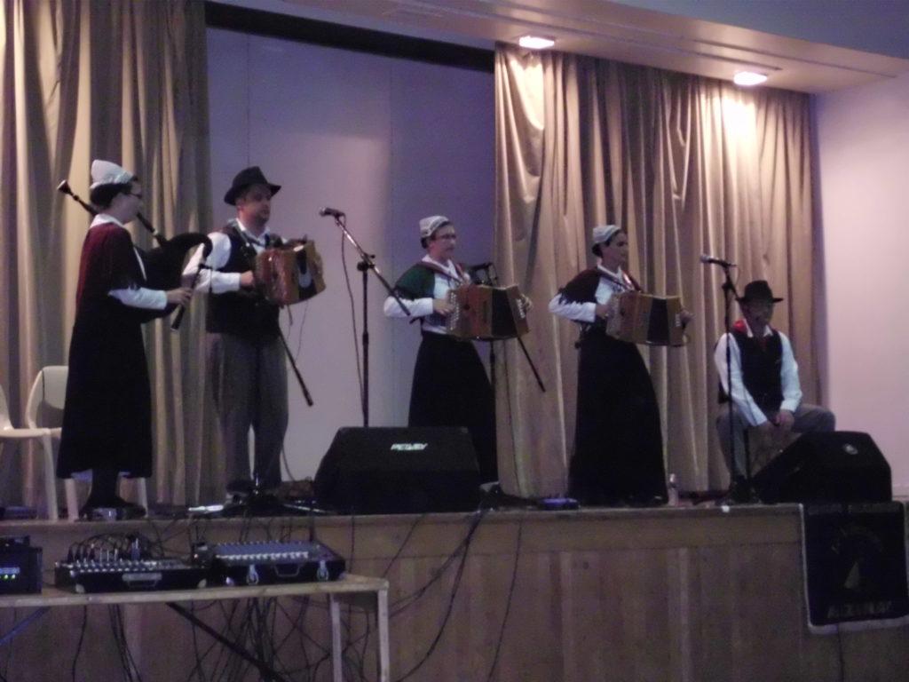 Musiciens du Vircouet danse vendée